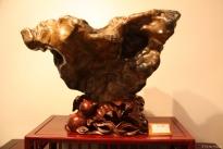 ... Museum: Steine in Holzfassung